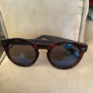 Gap sunglasses tortoiseshell with blue tinted lens